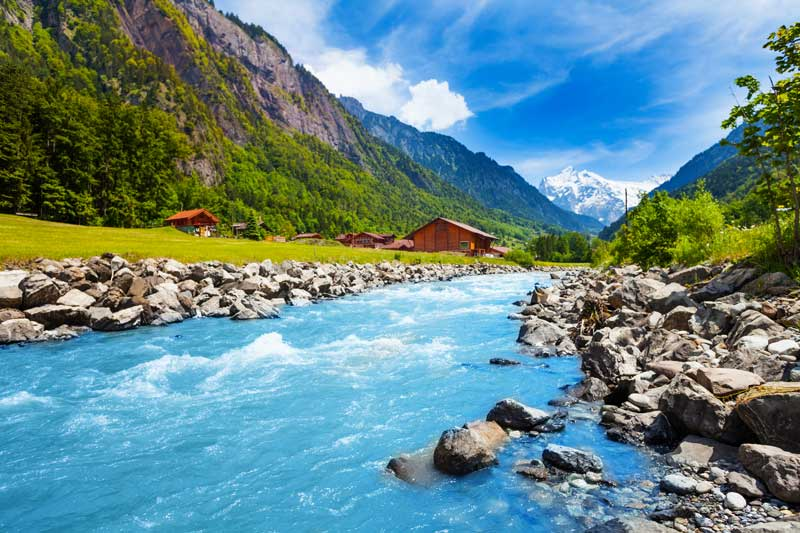 See Switzerland's spectacular scenery on a coach tour