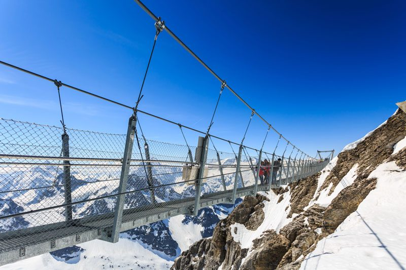 Titlis Cliff Walk suspension bridge