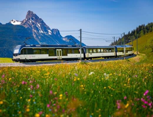 GoldenPass Line train near Schonried