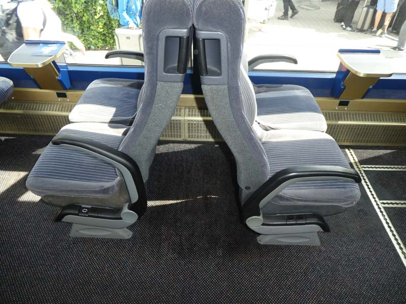Luggage can be stored between the seats on the GoldenPass Line trains.