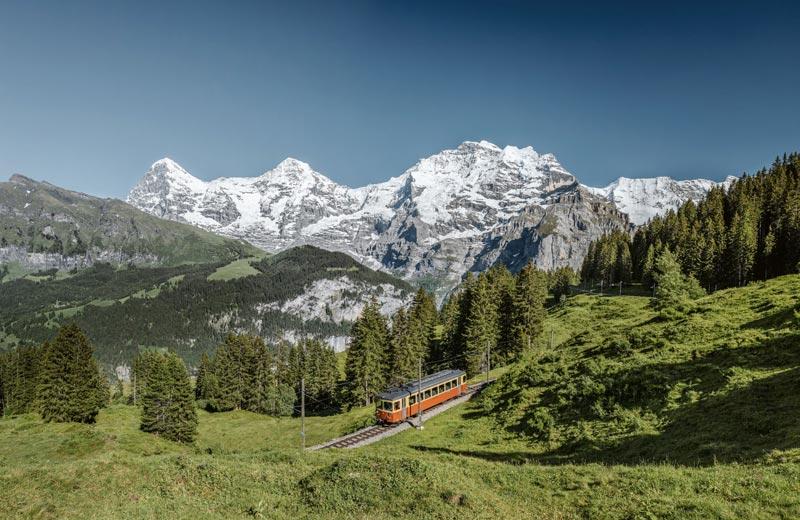 Train from Grutschalp to Murren