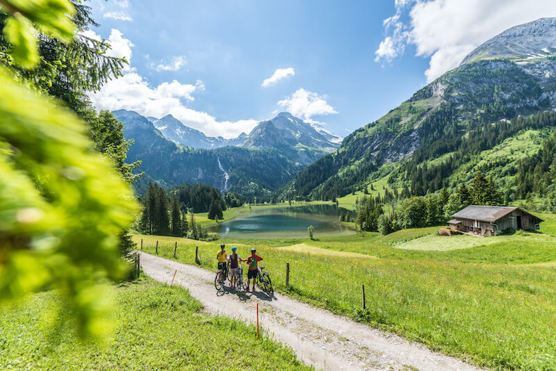 E-biking at Lauenensee near Gstaad