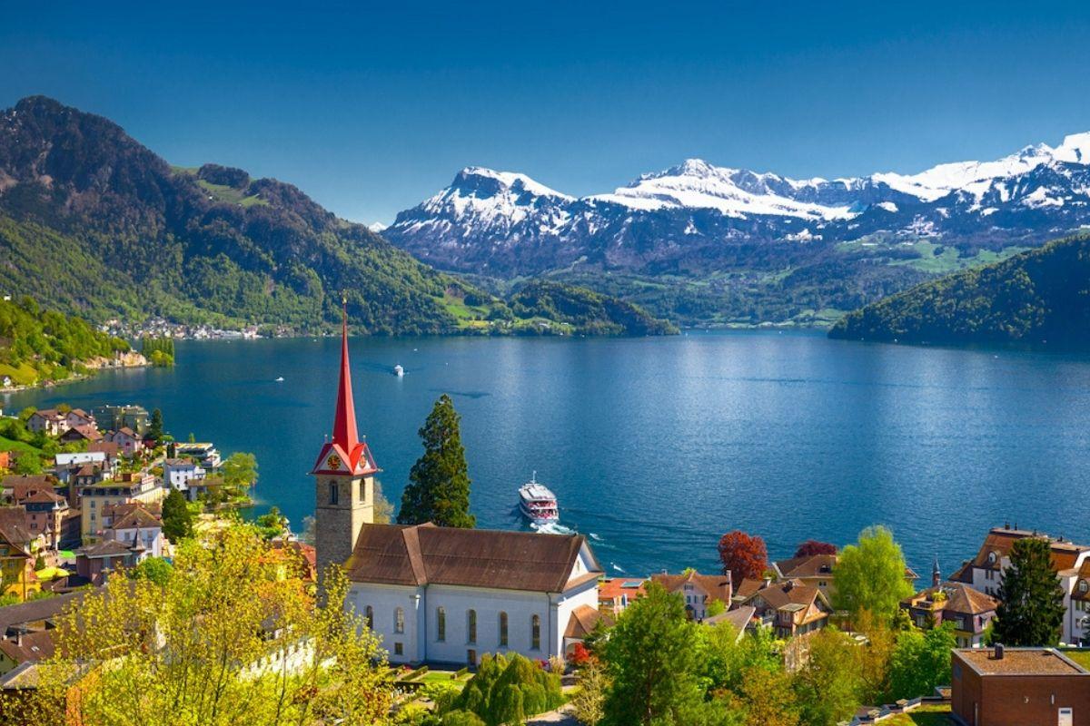 Switzerland travel planning website