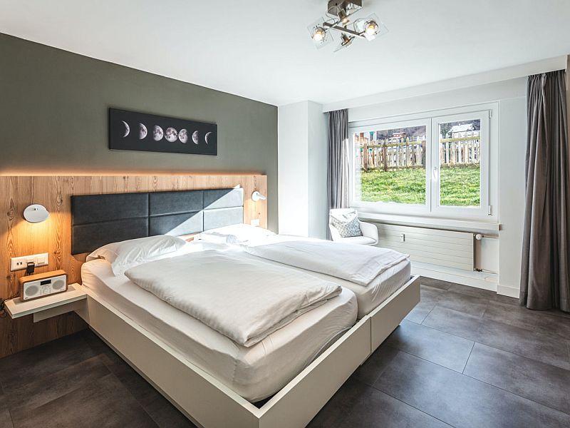 Eclipse Peak Apartment bedroom