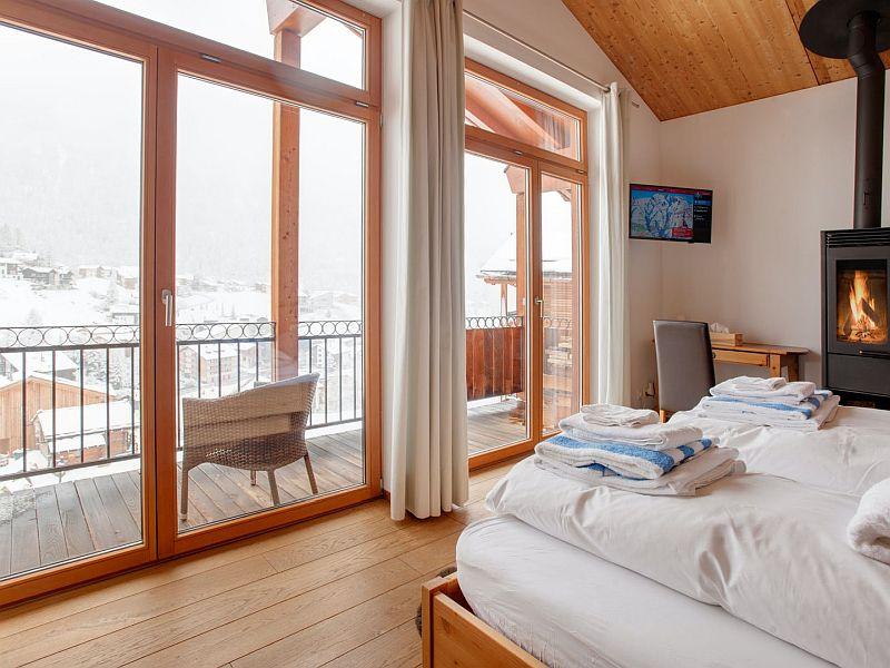 The Rocky Raccoon Zermatt bedroom